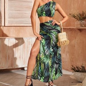 Cute Tropical Two Piece Set (Never Worn)